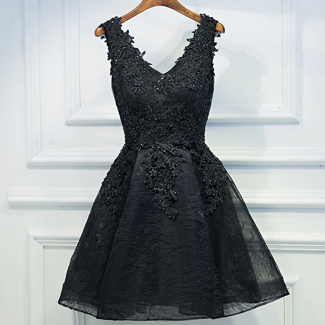the latest novel style picked up V-neck Black Lace Short Prom Dresses,Black Applique Hoco Dresses,A-Line  Homecoming Dress